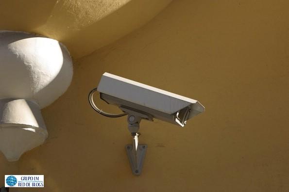 Cámara de Vigilancia en el Hogar