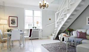 Agregar un sillón debajo de la escalera