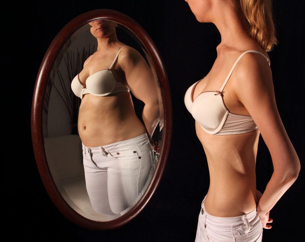 La bulimia causa serios trastornos en la salud de quien la padece